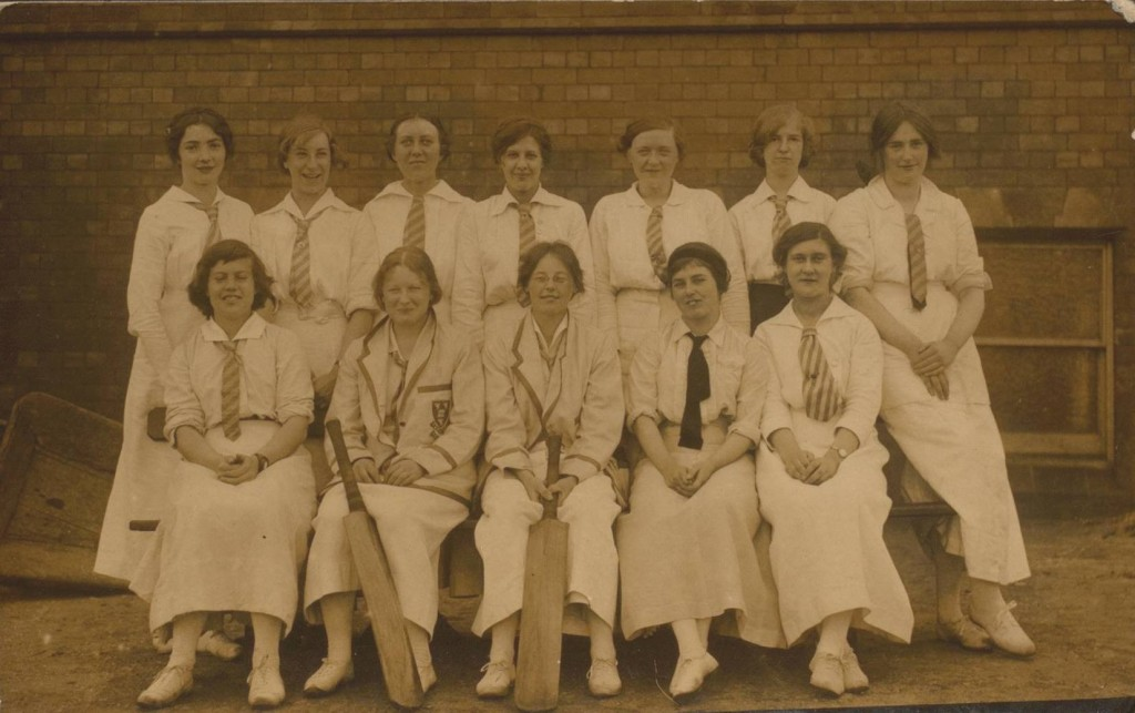 Women's cricket team, 1915 (D587/1/7 )