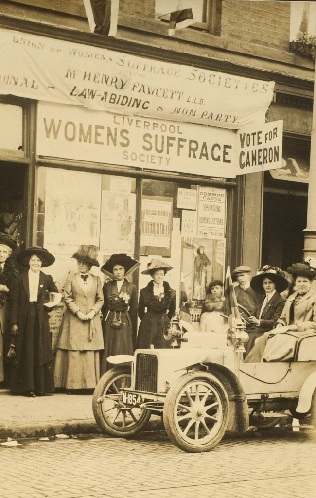 Eleanor Rathbone (centre) and other Liverpool suffragists campaigning in support of the pro-women's suffrage candidate in the Kirkdale by-election, 1910. RP XIV.3.101