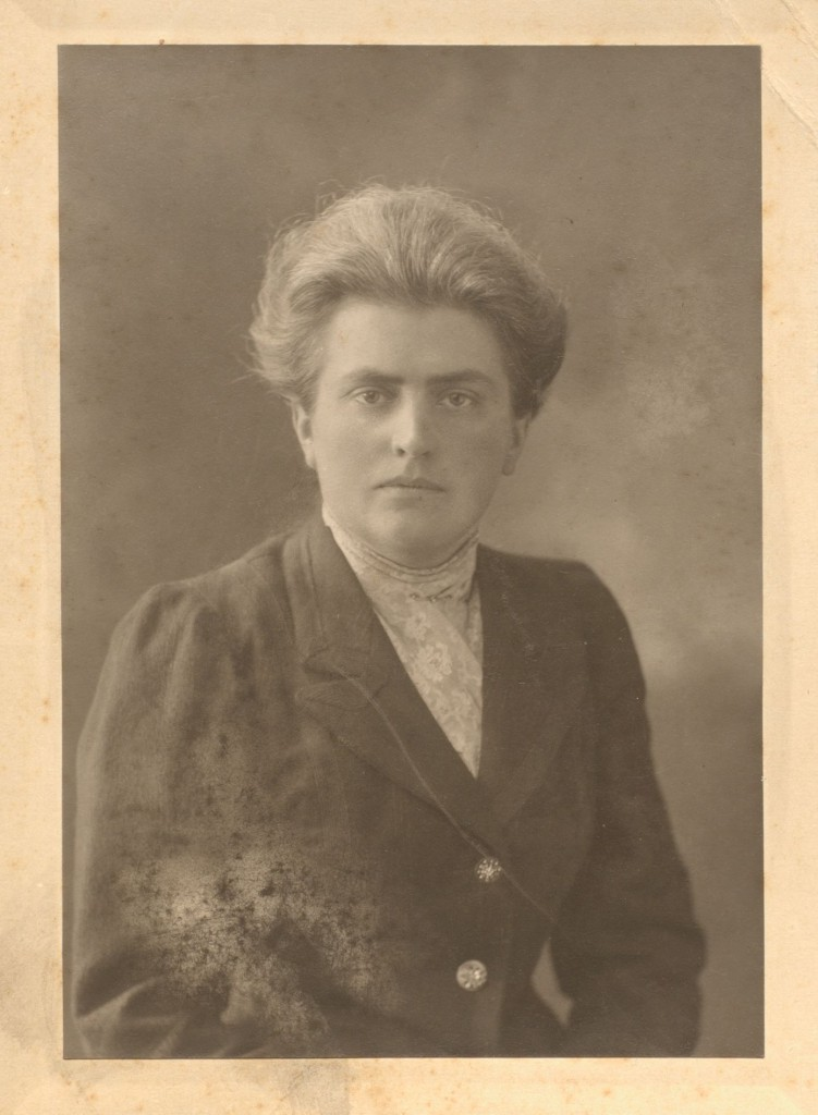 Portrait of Eleanor Rathbone [c. 1910].